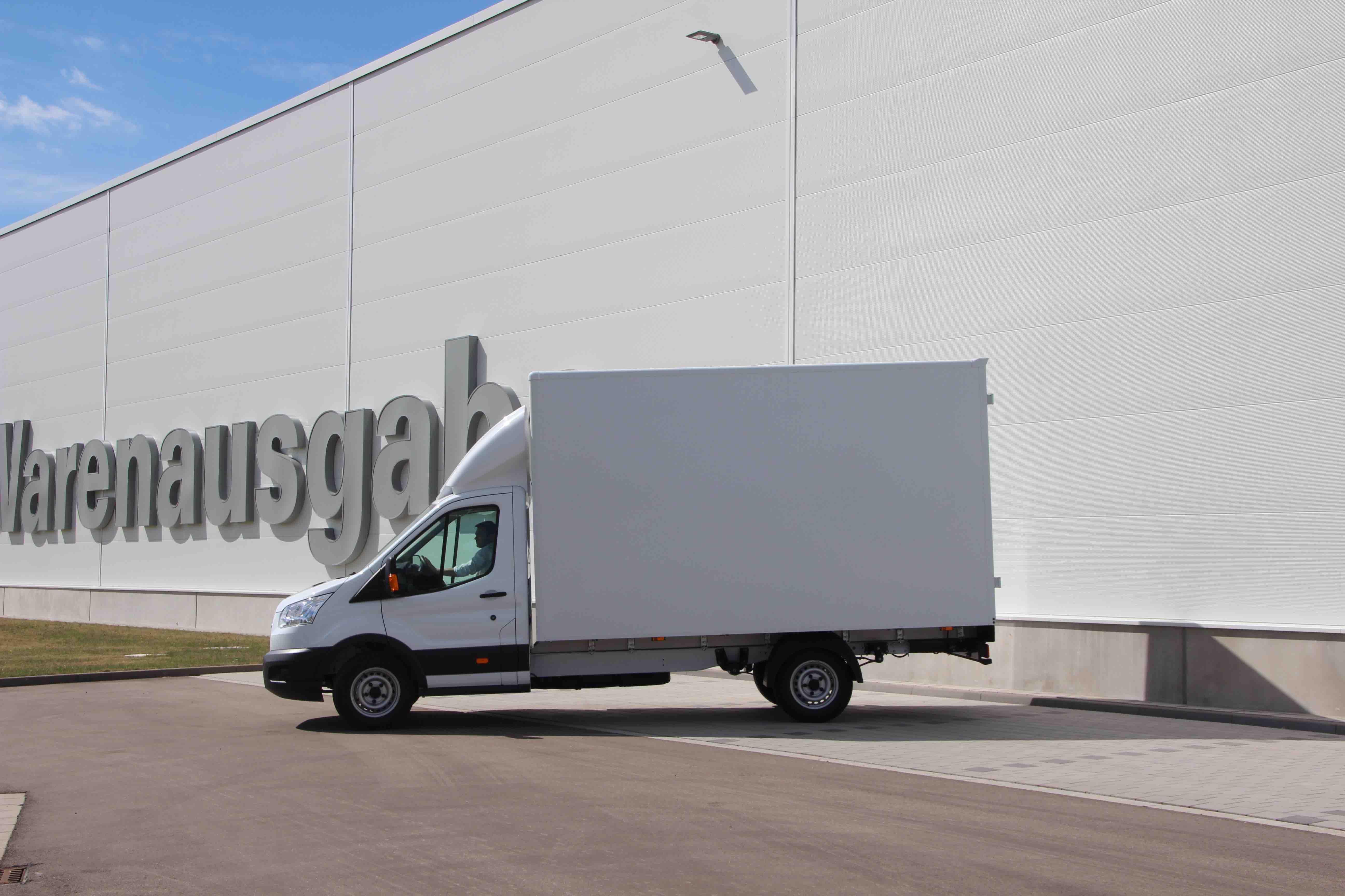 Ford Transit FT 350 L4 mit Kofferaufbau mit Ladebordwand